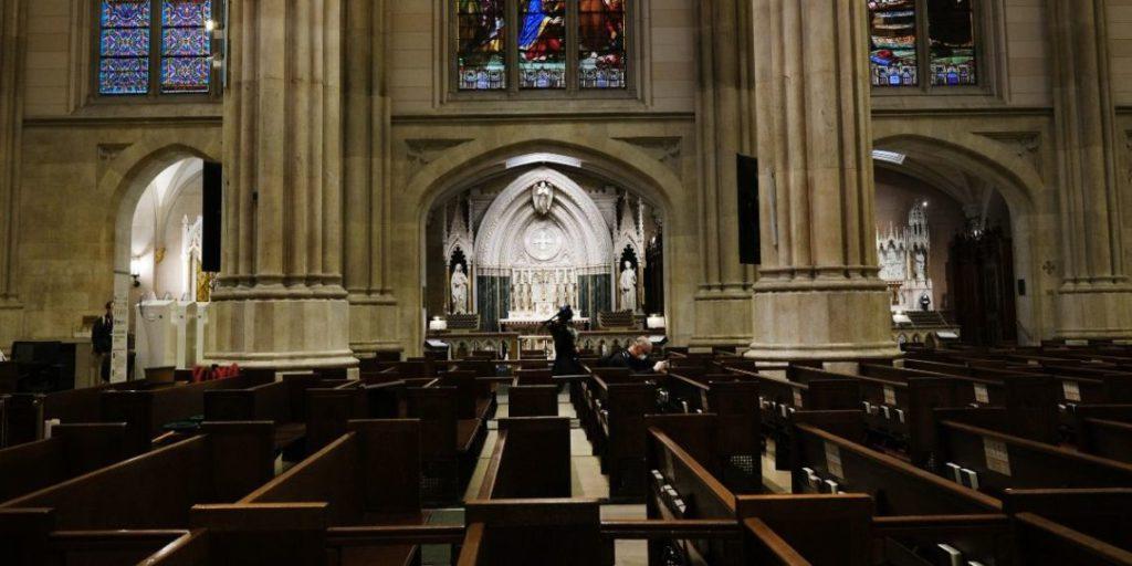 Nueva York permitirá las ceremonias religiosas