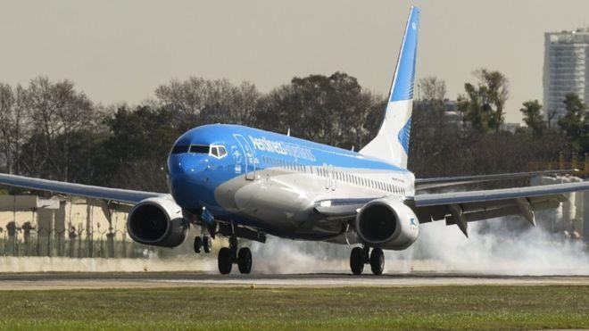 Más de 800 argentinos retornan al país