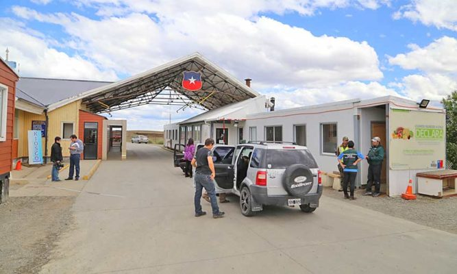 Anuncian reapertura de frontera con Chile sólo para repatriar a santacruceños varados