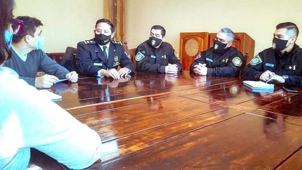 Implementarán un taller de lengua de señas en la Escuela Superior de Policía
