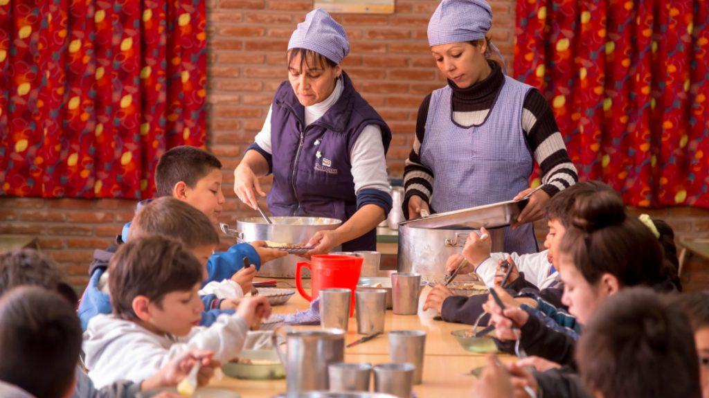 Plan Nacional de Seguridad Alimentaria: 24 mil alumnos reciben copa de leche y 10 mil, almuerzo