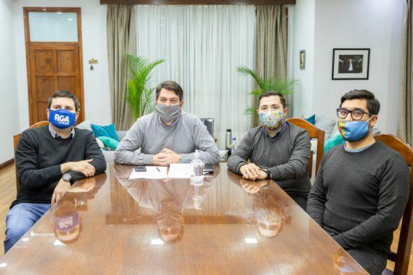 """Río Grande: Municipio y UNTDF firmaron un convenio para poner en marcha el canal de ventas """"Vidriera Electrónica"""""""