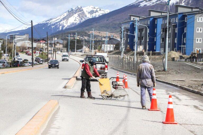 En garantía: Iniciaron trabajos de reparación en la avenida Hipólito Yrigoyen
