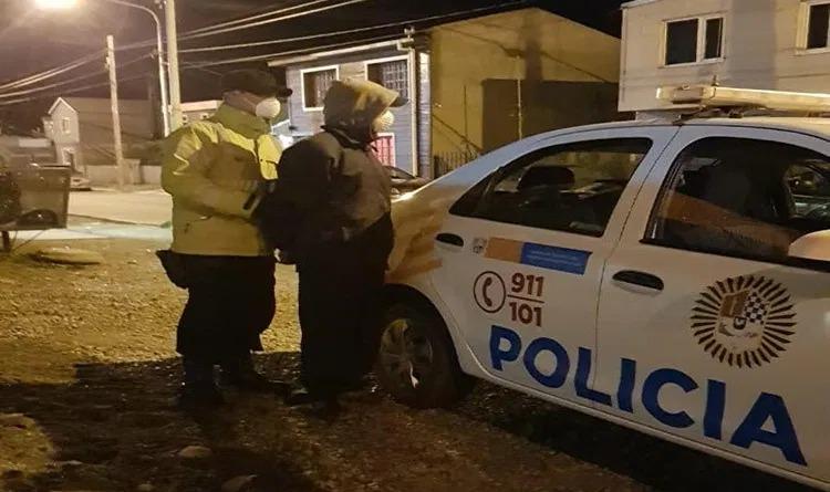 Escuchaba música a todo volúmen en su vehículo y terminó preso