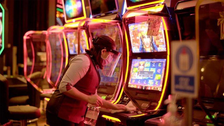 Podrán abrir casinos, salones infantiles, quinchos, bares y cines