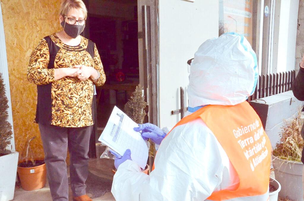 Covid: Implementarán relevamiento para detectar a mayores de 63 años que no se hayan vacunado