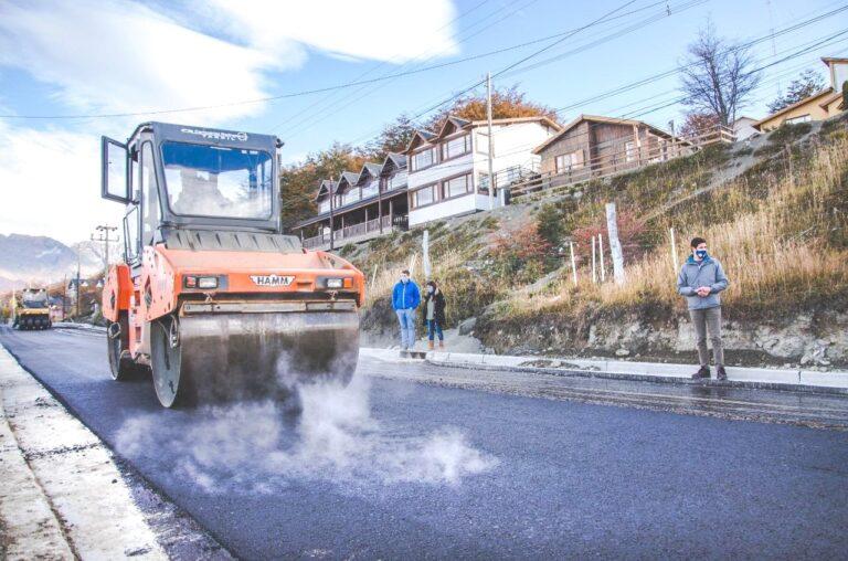 Barrio Ecológico: Después de más de 30 años llegó el pavimento a la calle Las Violetas