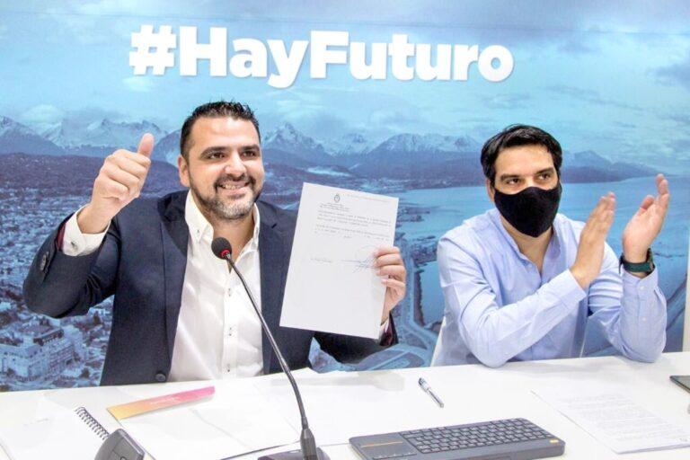 Vuoto firmó con Nación el acuerdo para la ejecución de la obra de red de agua y cloacas en el sector KyD