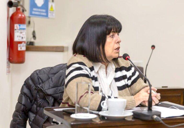 Turismo: El bloque radical pidió que se vacune a los trabajadores del sector