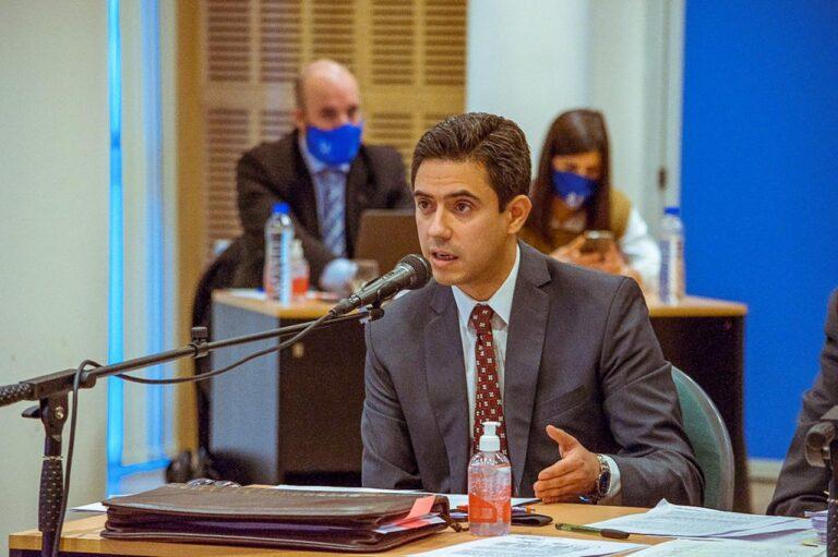 """Fernández dijo que los municipios """"quieren esmerilar"""" al Gobierno provincial"""""""
