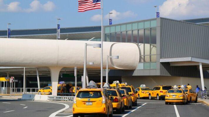 EEUU mantiene las restricciones para los viajes internacionales
