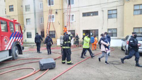 Incendio obligó a la total evacuación de un edificio en Chacra II